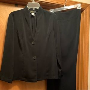 Metrostyle black suit- nice